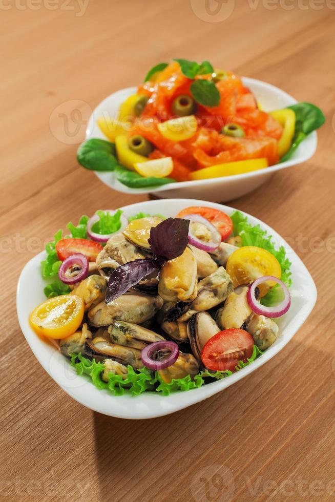 salada de mexilhões frescos foto
