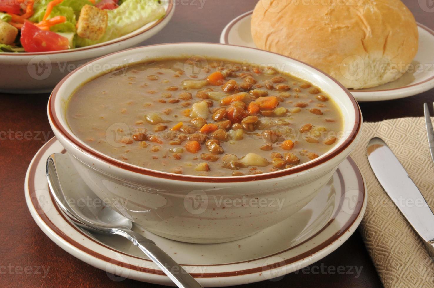 sopa de lentilha foto