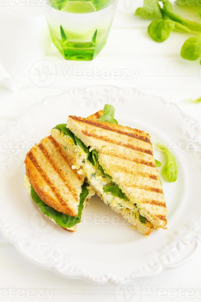 sanduíche de salada de ovo. cozinha americana. foto