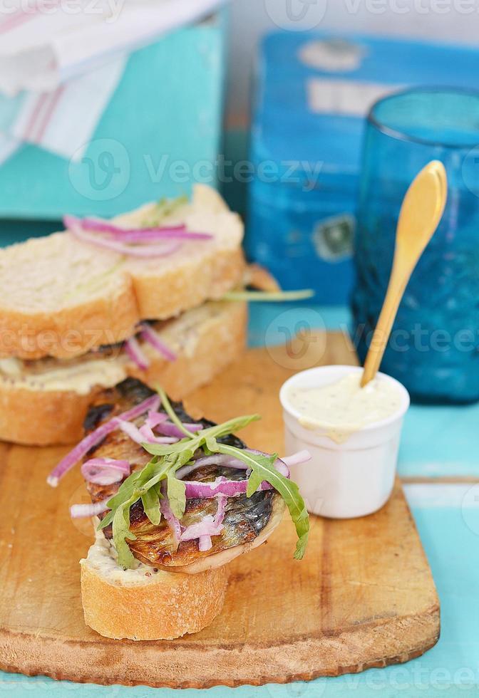 sanduíche de cavala foto