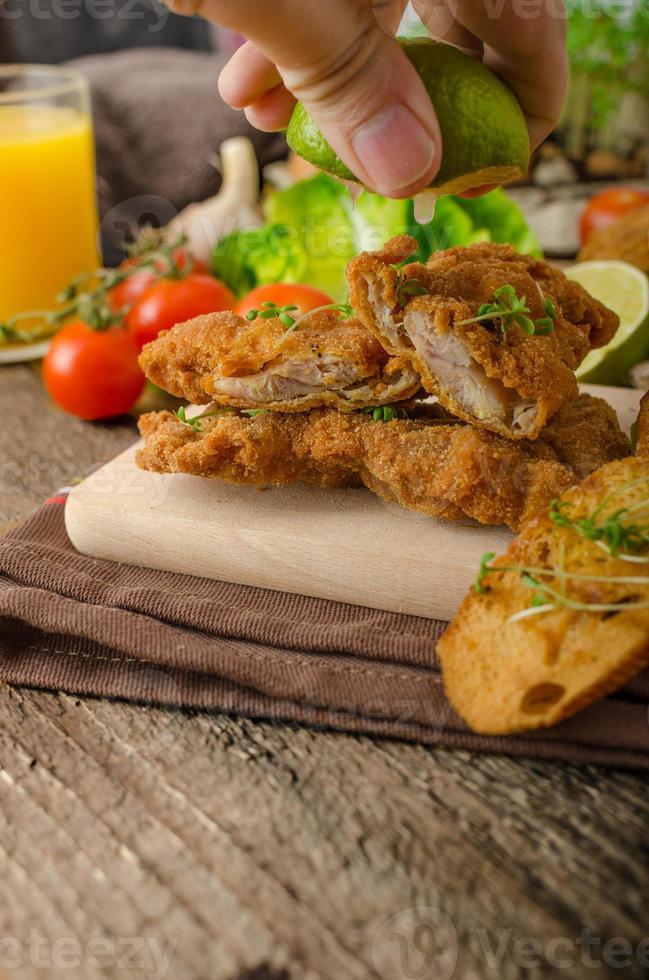mini costeletas - schnitzels foto