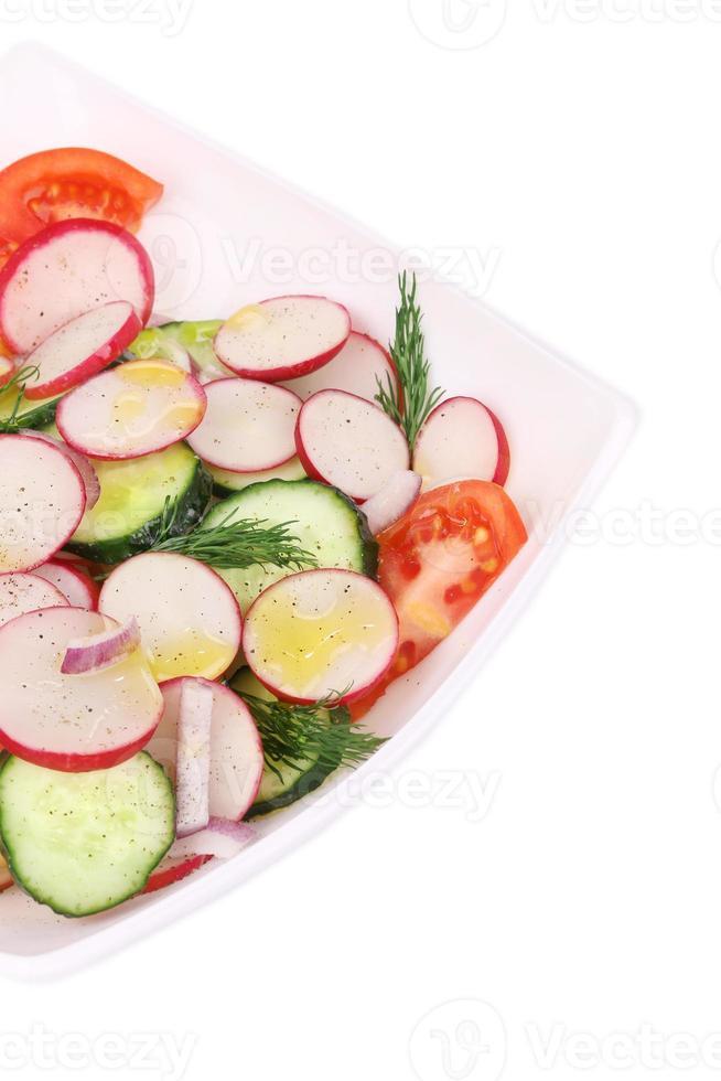 salada de rabanete com tomate. foto