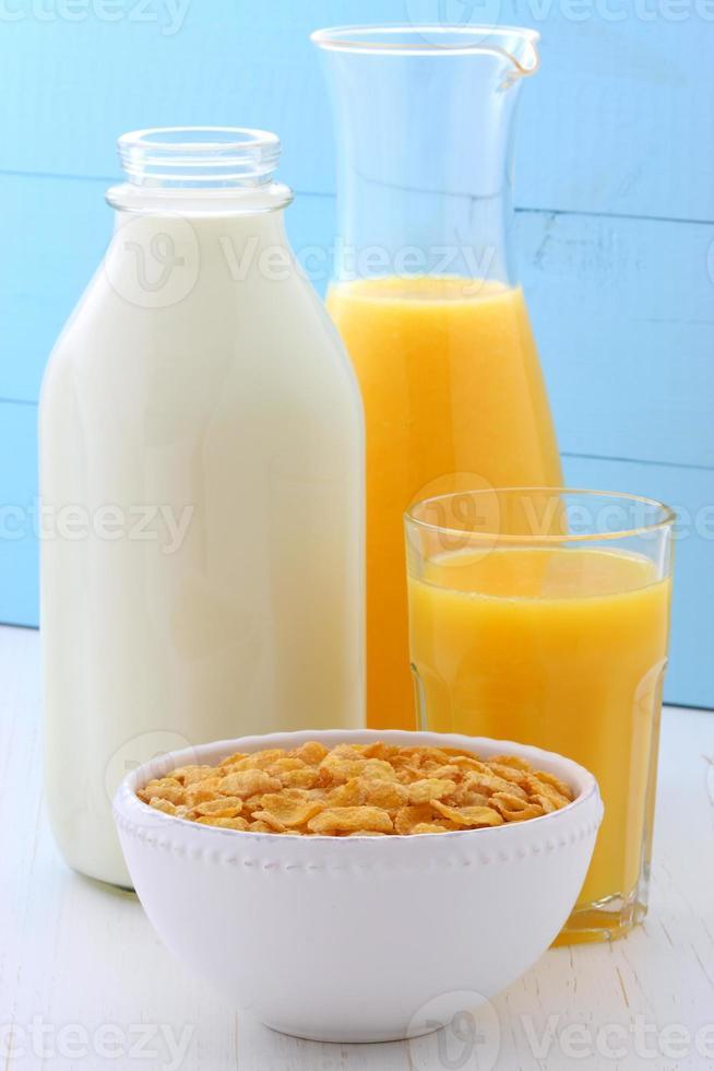 pequeno-almoço saudável de flocos de milho foto