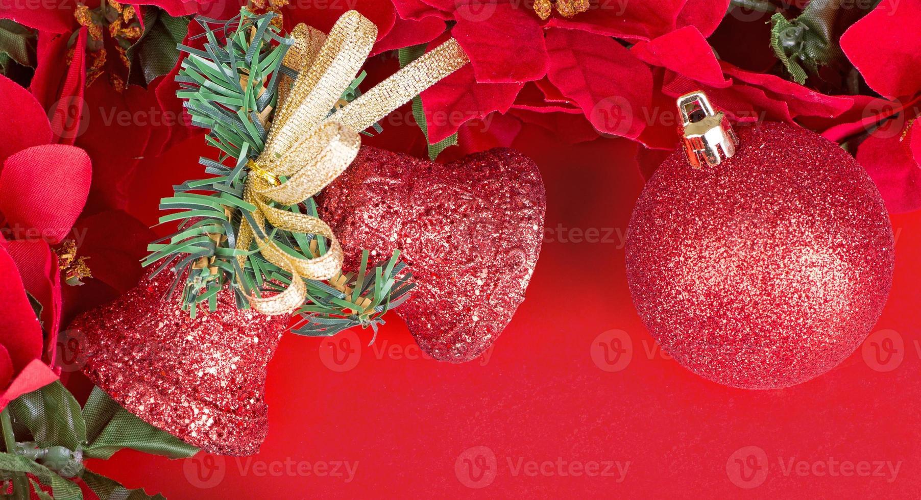 enfeites de natal vermelho foto