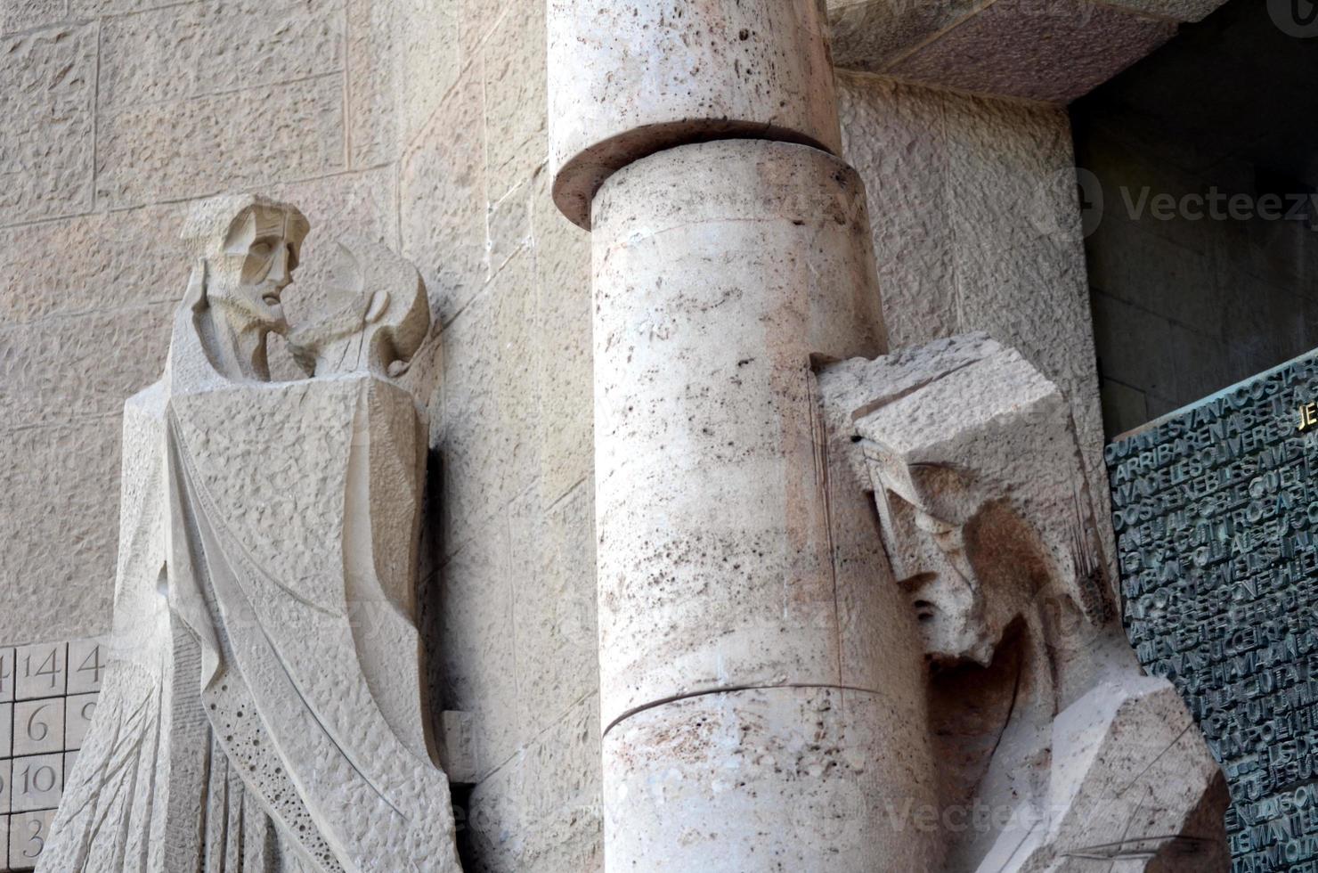 detalhes arquitetônicos da sagrada família barcelona foto
