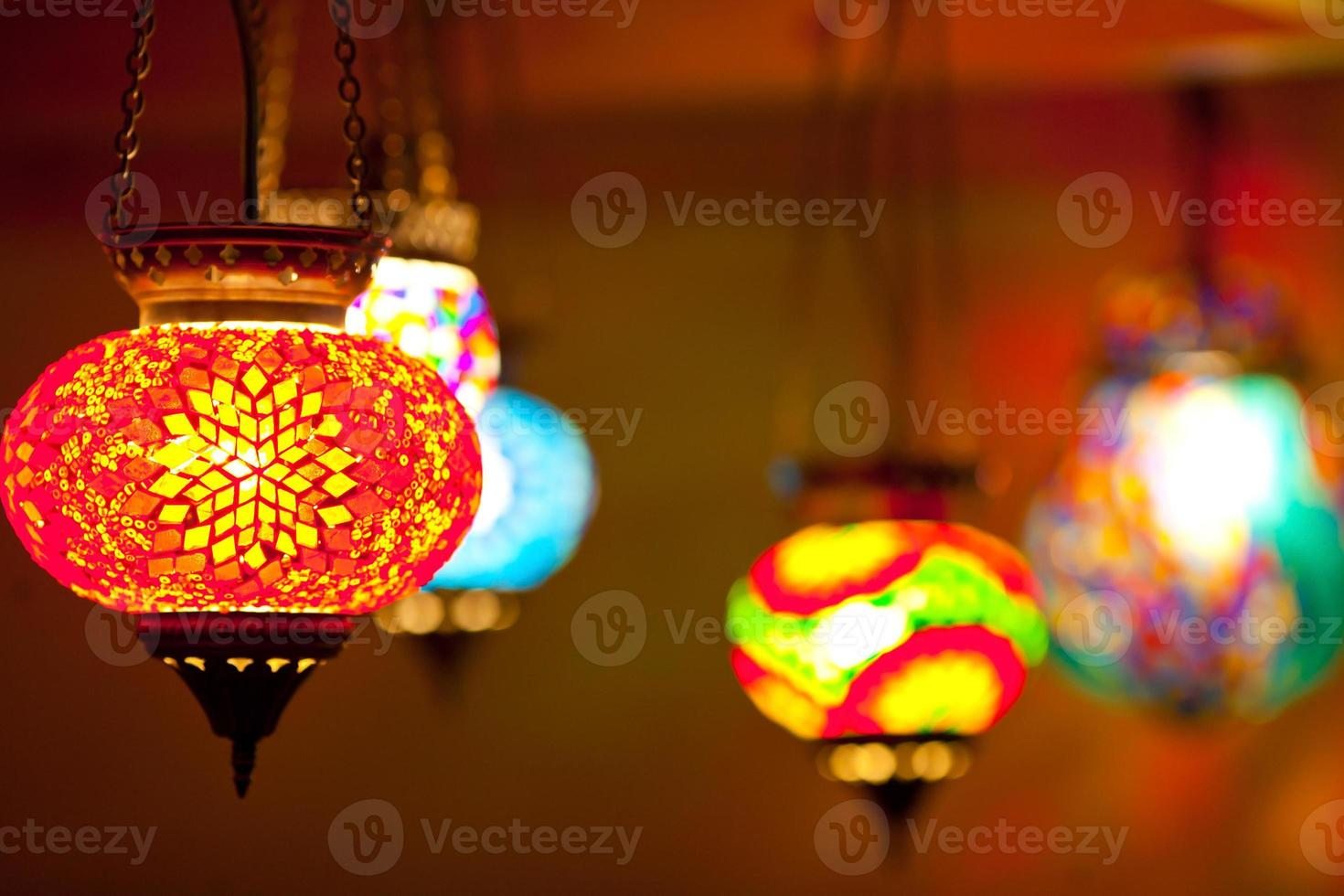 lâmpadas coloridas lanterna foto