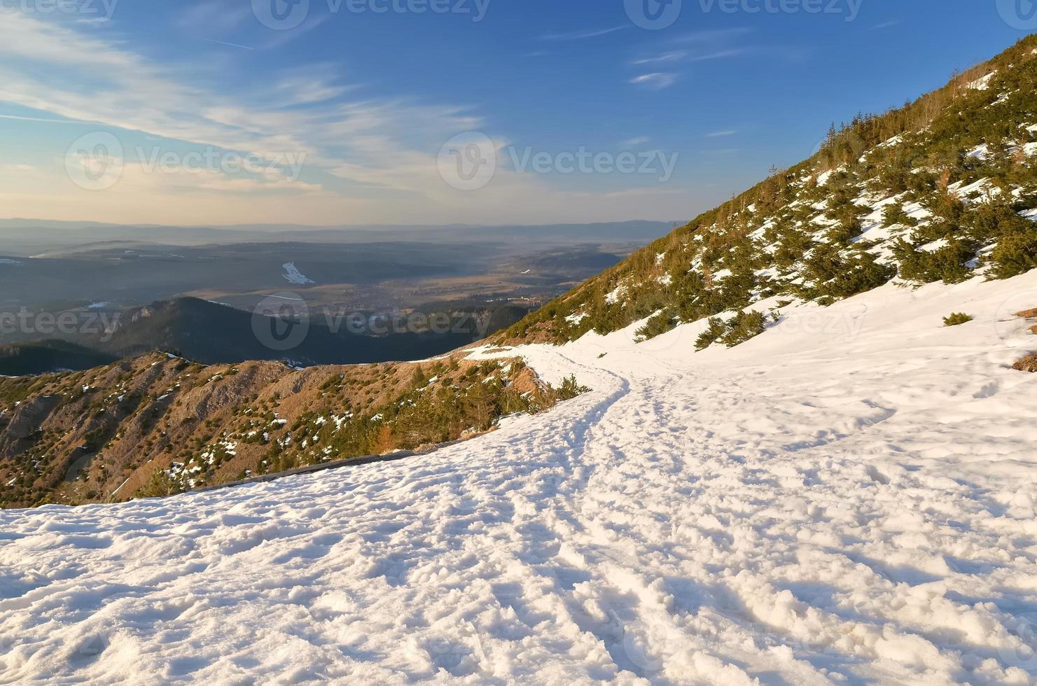 paisagem de montanha do inverno. foto