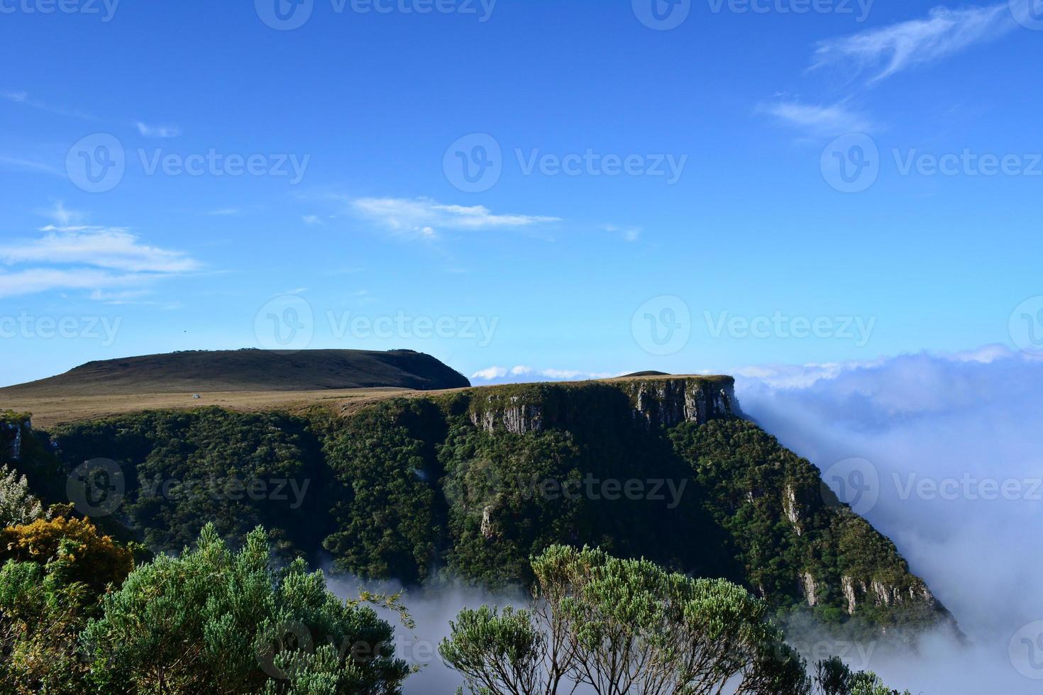 paisagem de montanha do rio do rastro foto