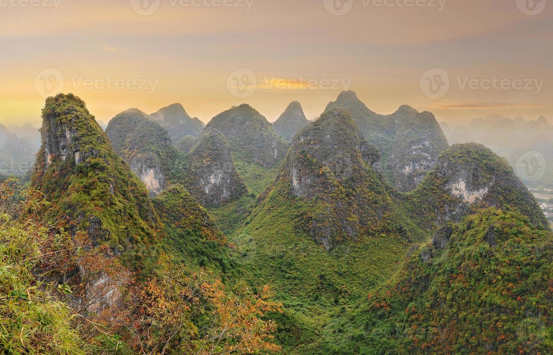 paisagem montanhosa da china foto