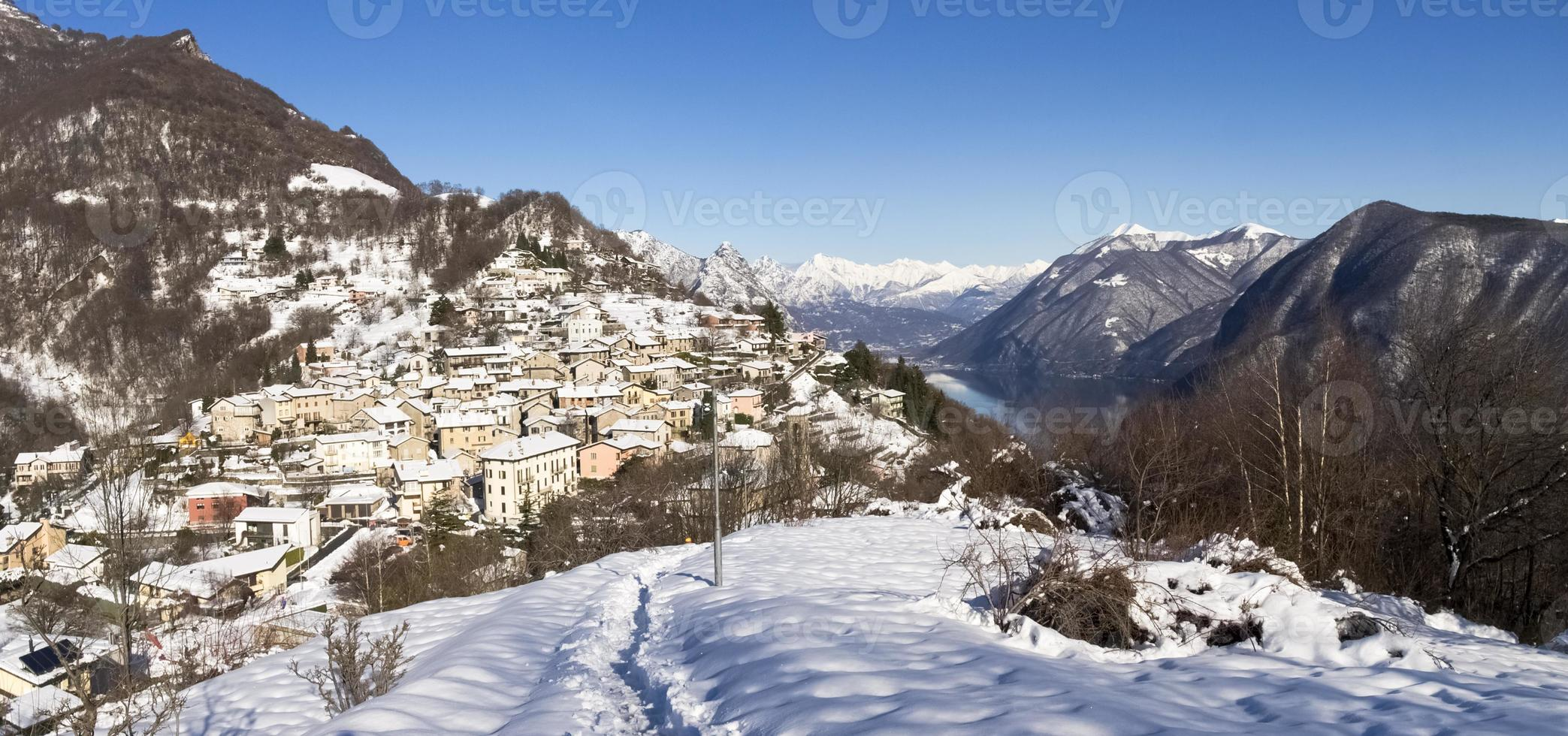 paisagem de inverno do monte bre foto