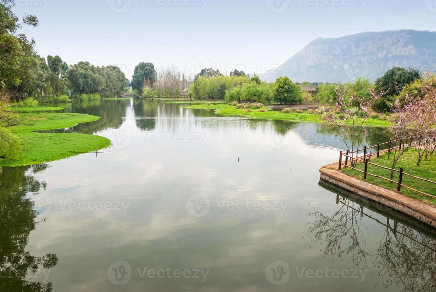 paisagem da vila de nacionalidades de yunnan foto