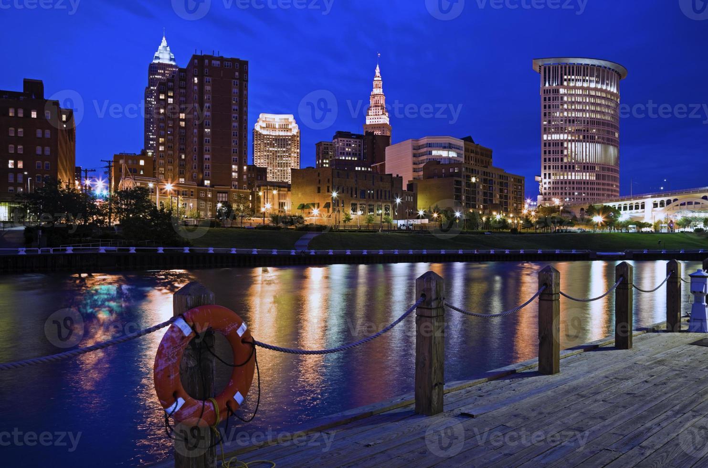 skyline de cleveland, ohio foto