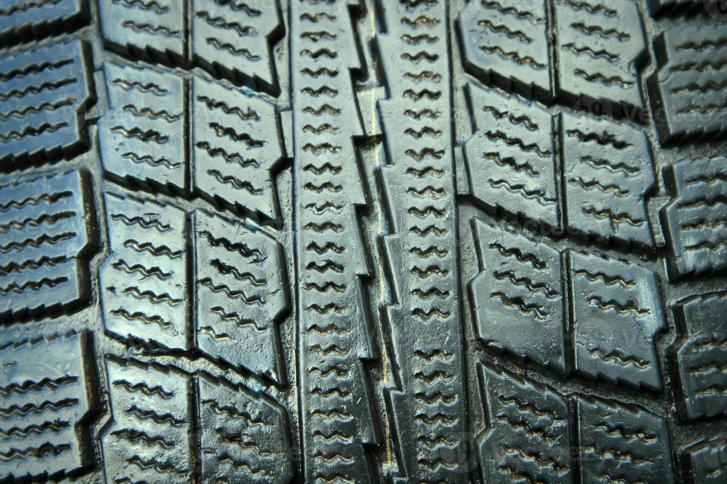 closeup de pneu de inverno novo foto
