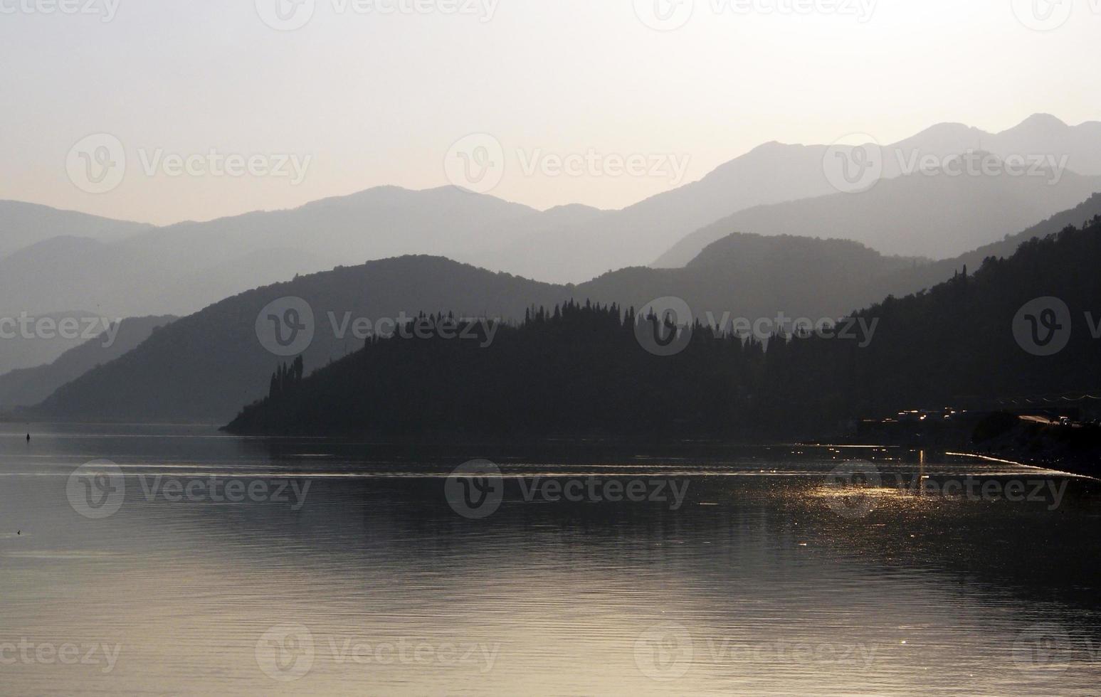 colinas do lago foto