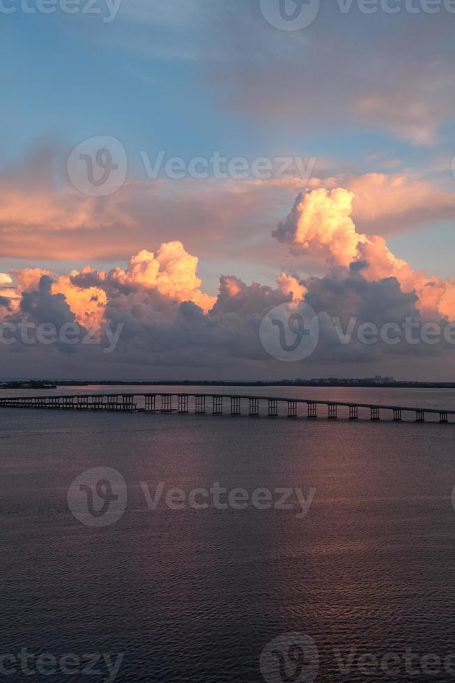 vista da ponte da praia de key biscayne foto