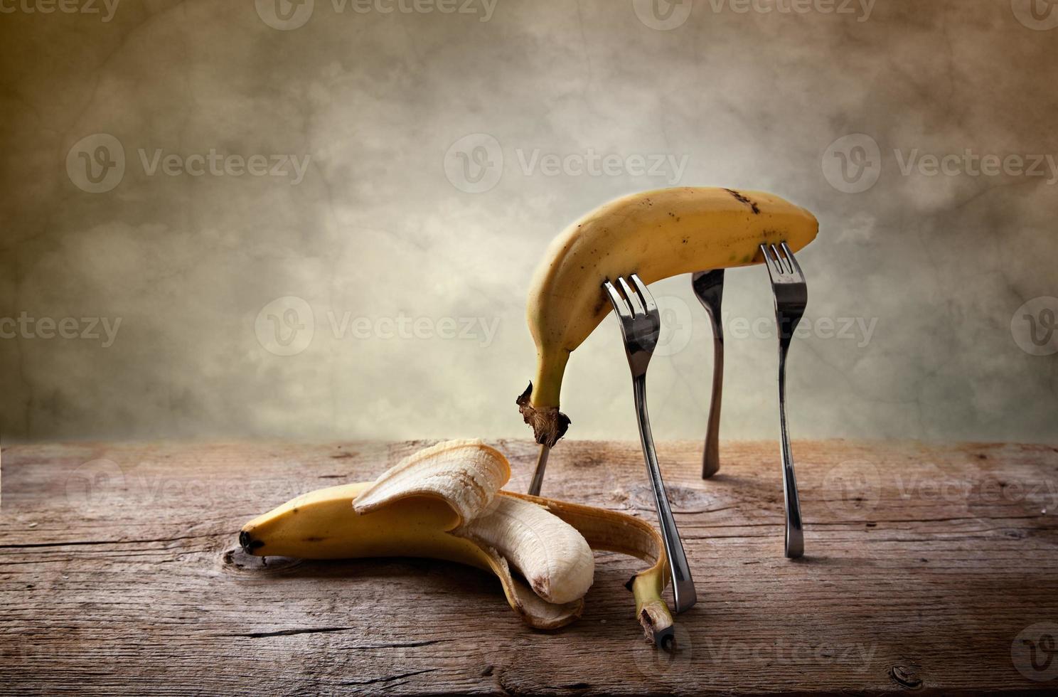 banana em garfos foto