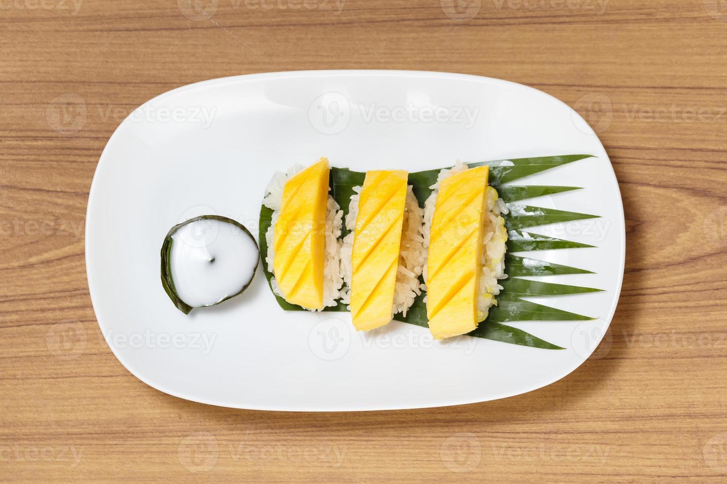 sobremesa tropical estilo tailandês foto