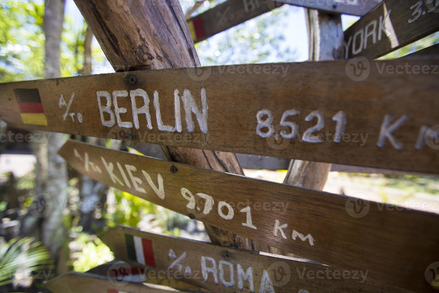 setas de sinal de madeira de destino, venezuela foto