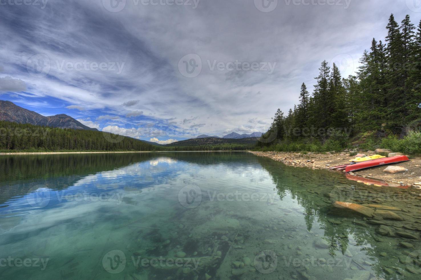 montanhas rochosas, colúmbia britânica, canadá. foto