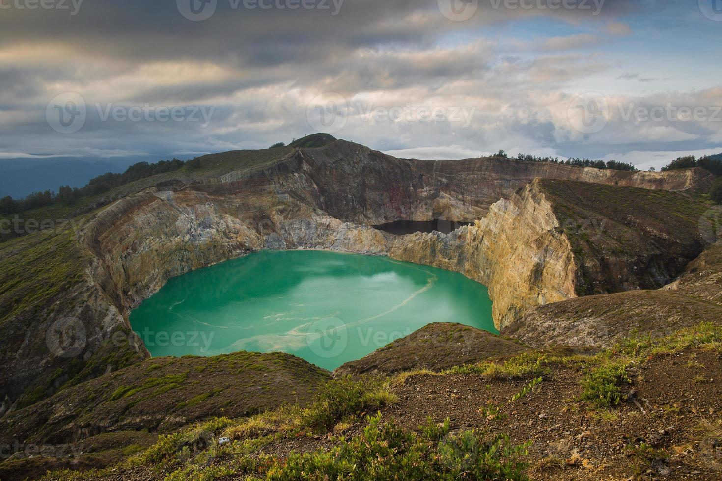 lagos de cor kelimutu foto