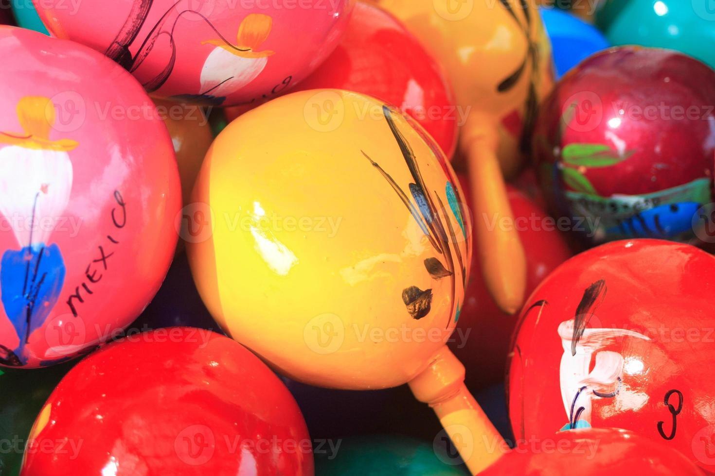 maracas coloridas foto