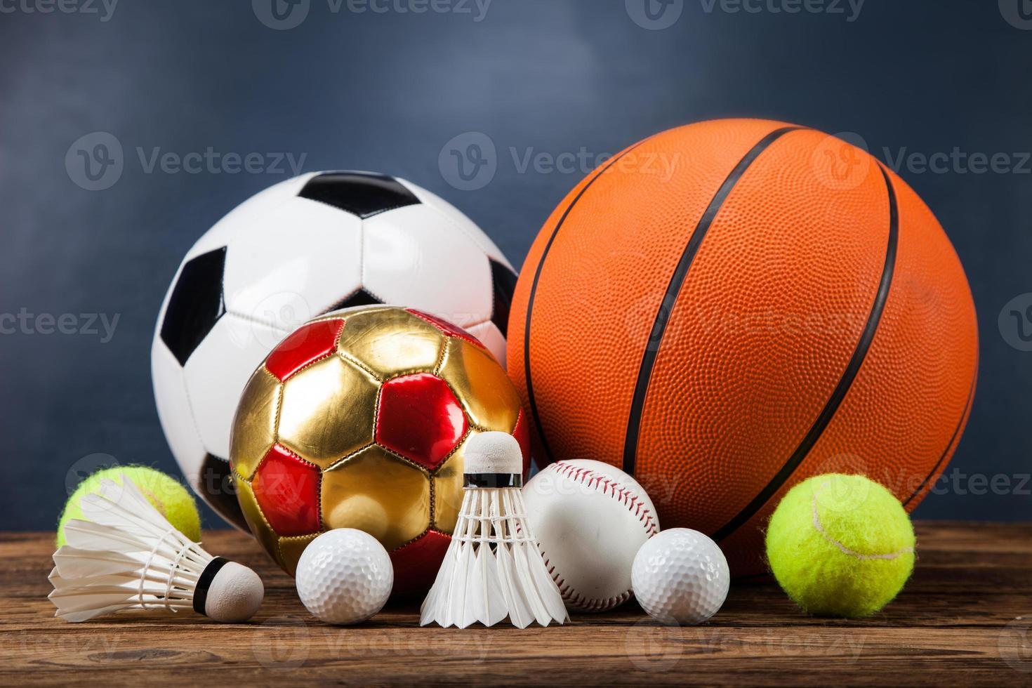acessórios esportivos. pás, paus, bolas e muito mais foto