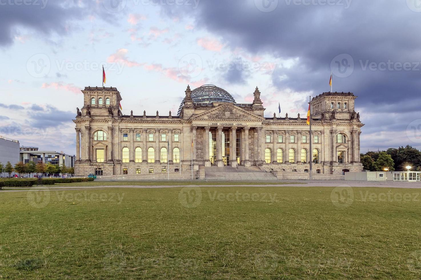 edifício do reichstag, berlim foto