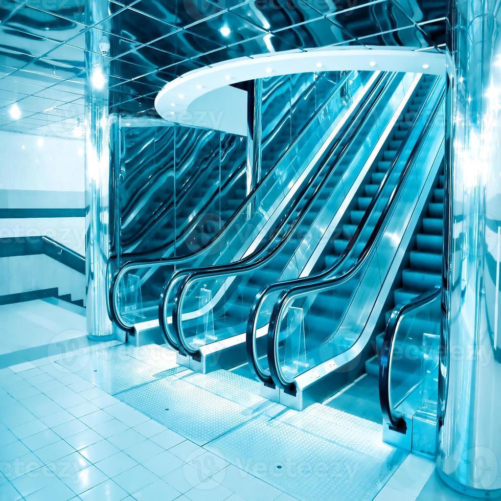 escada rolante futurista foto
