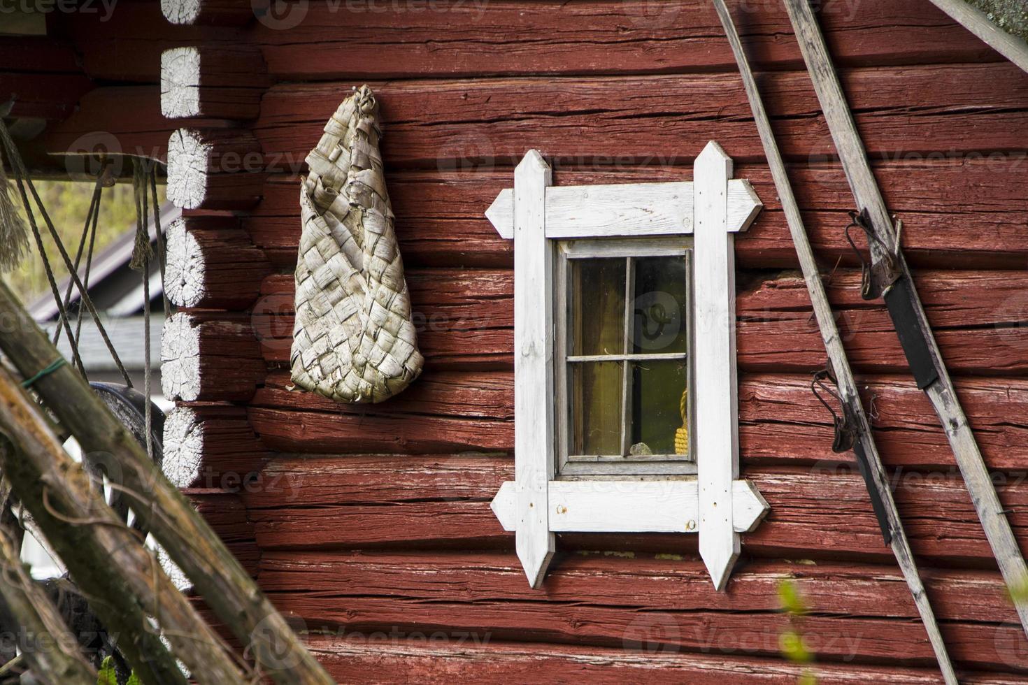 velha cabana de madeira foto