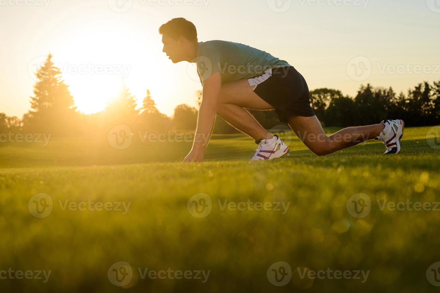 atleta se preparando para a corrida. foto