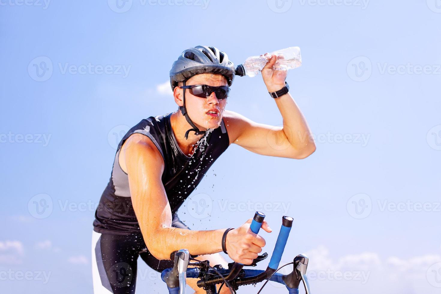 triatleta, andar de bicicleta foto