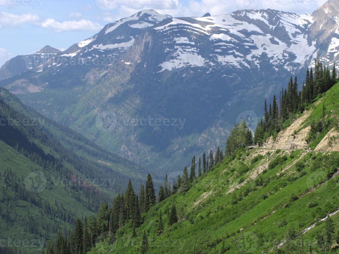 montanhas geleira parque nacional de cascatas do norte foto