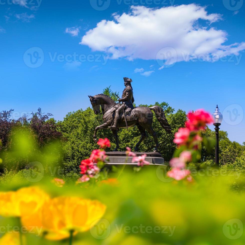 monumento comum de boston george washington foto