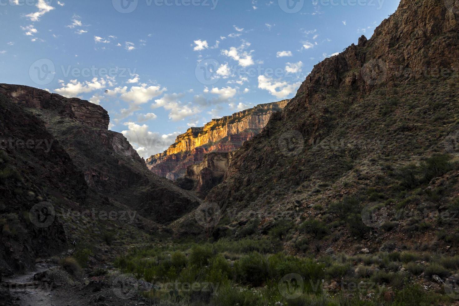 visão geral da paisagem do Grand Canyon na trilha foto