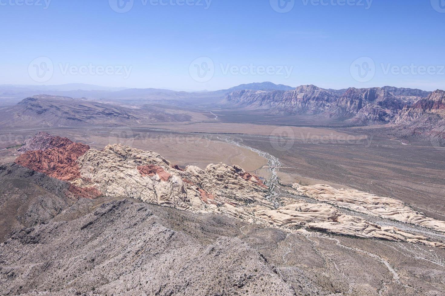 red rock canyon, vista panorâmica de alto ângulo de nevada foto