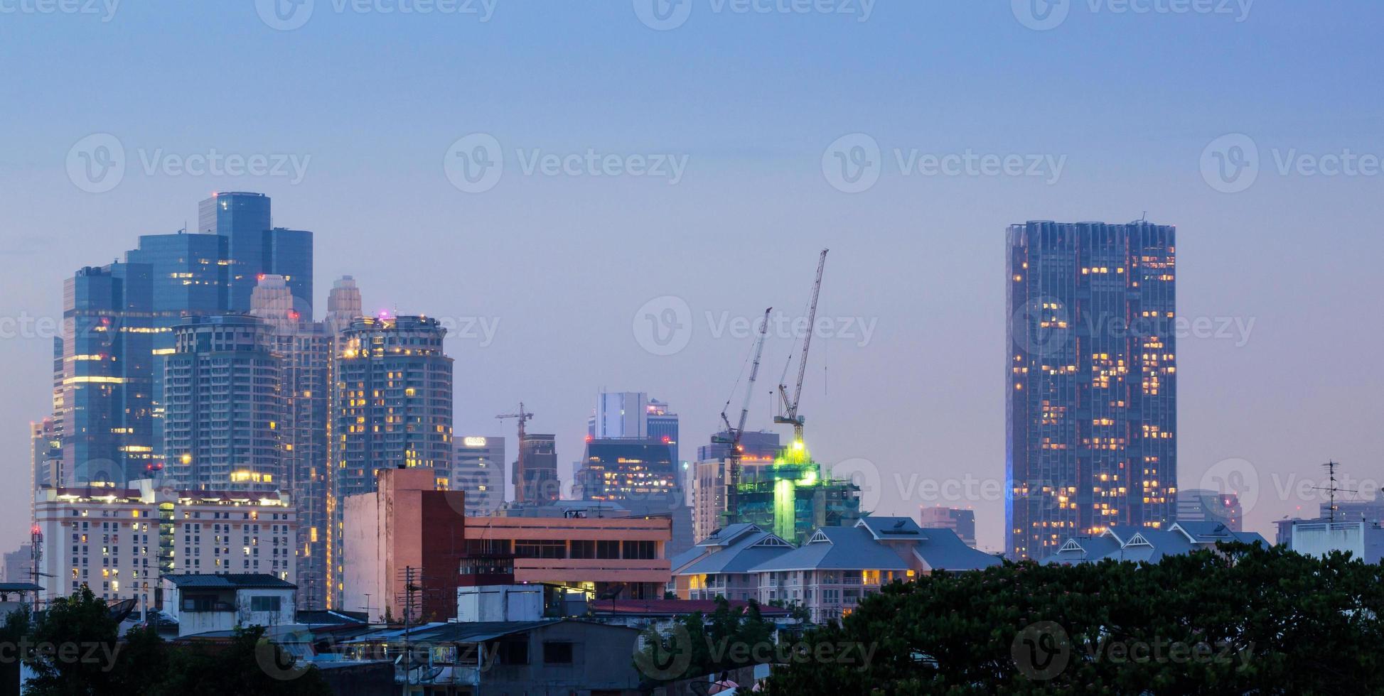 paisagem urbana de Banguecoque ao entardecer foto