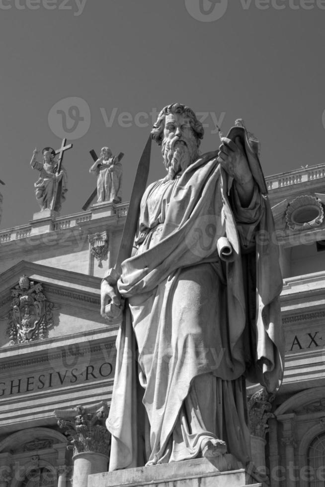 estátua de santo paul no vaticano foto