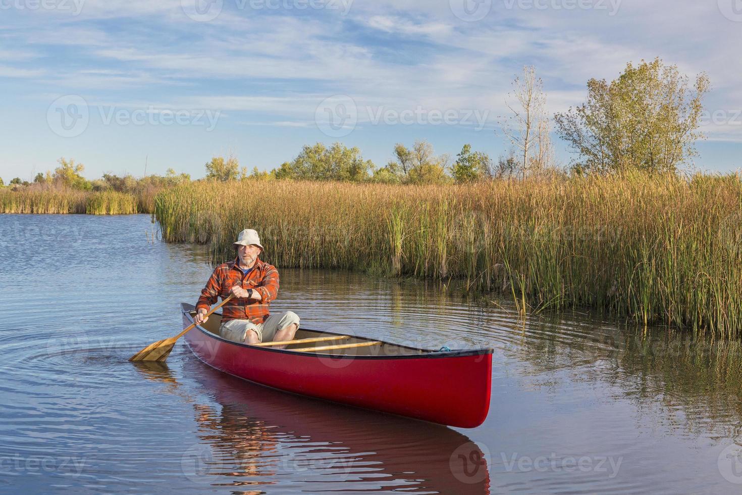 tarde canoa remando foto