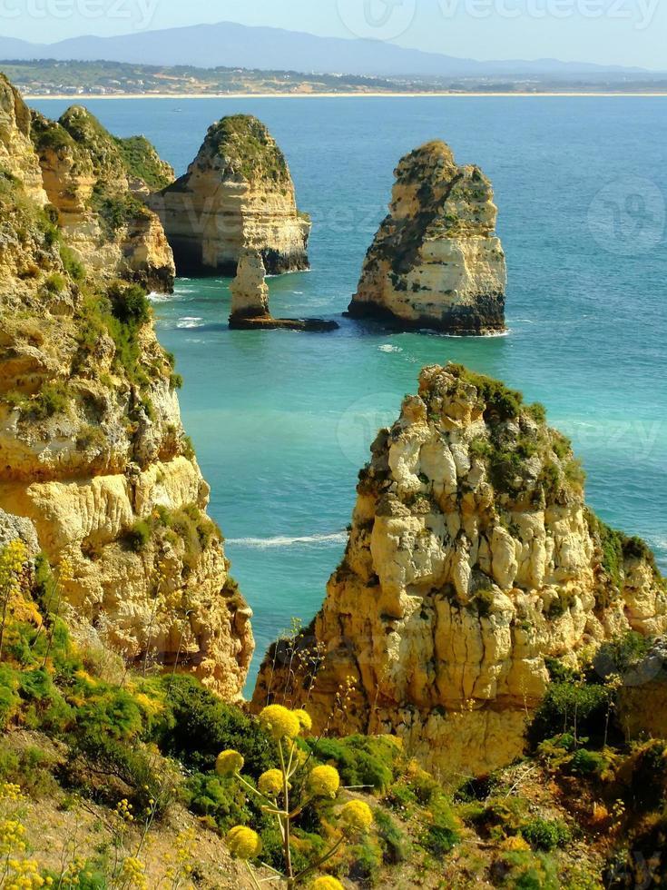 ponta de piedade em lagos, algarve region, portugal foto