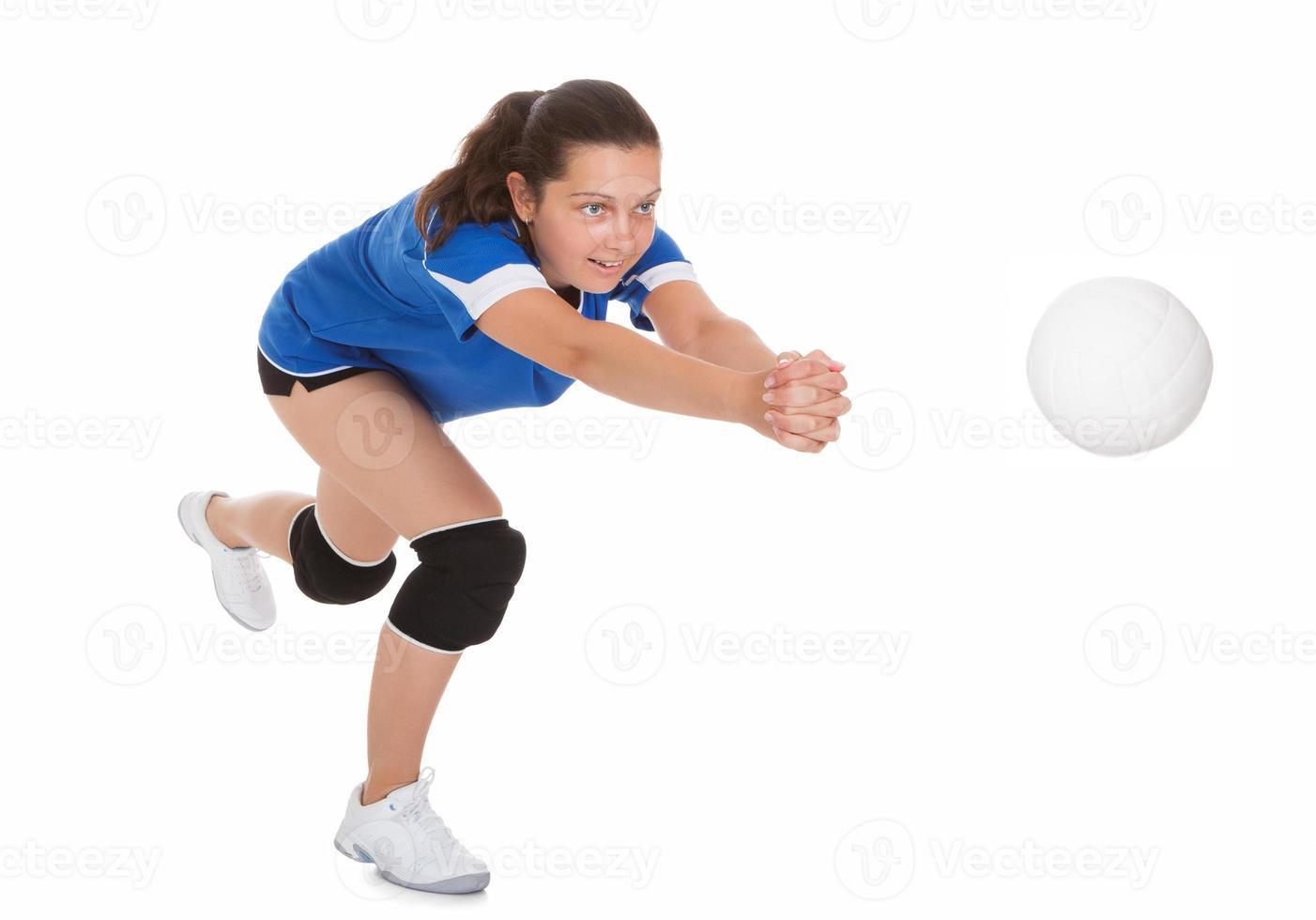 retrato de jogador de vôlei feminino foto