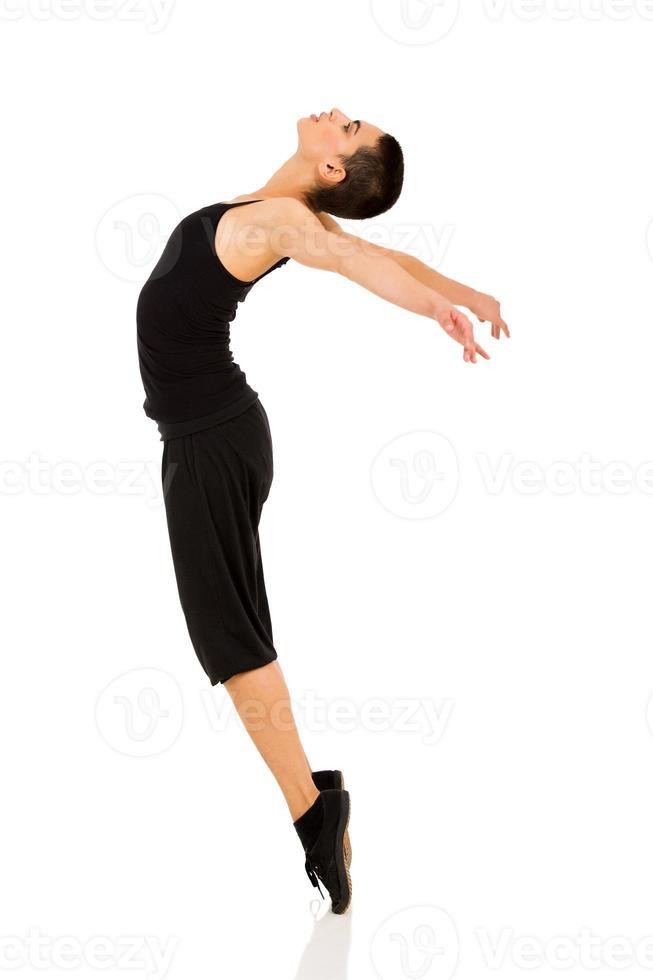 dançarina em pé nos dedos do pé foto