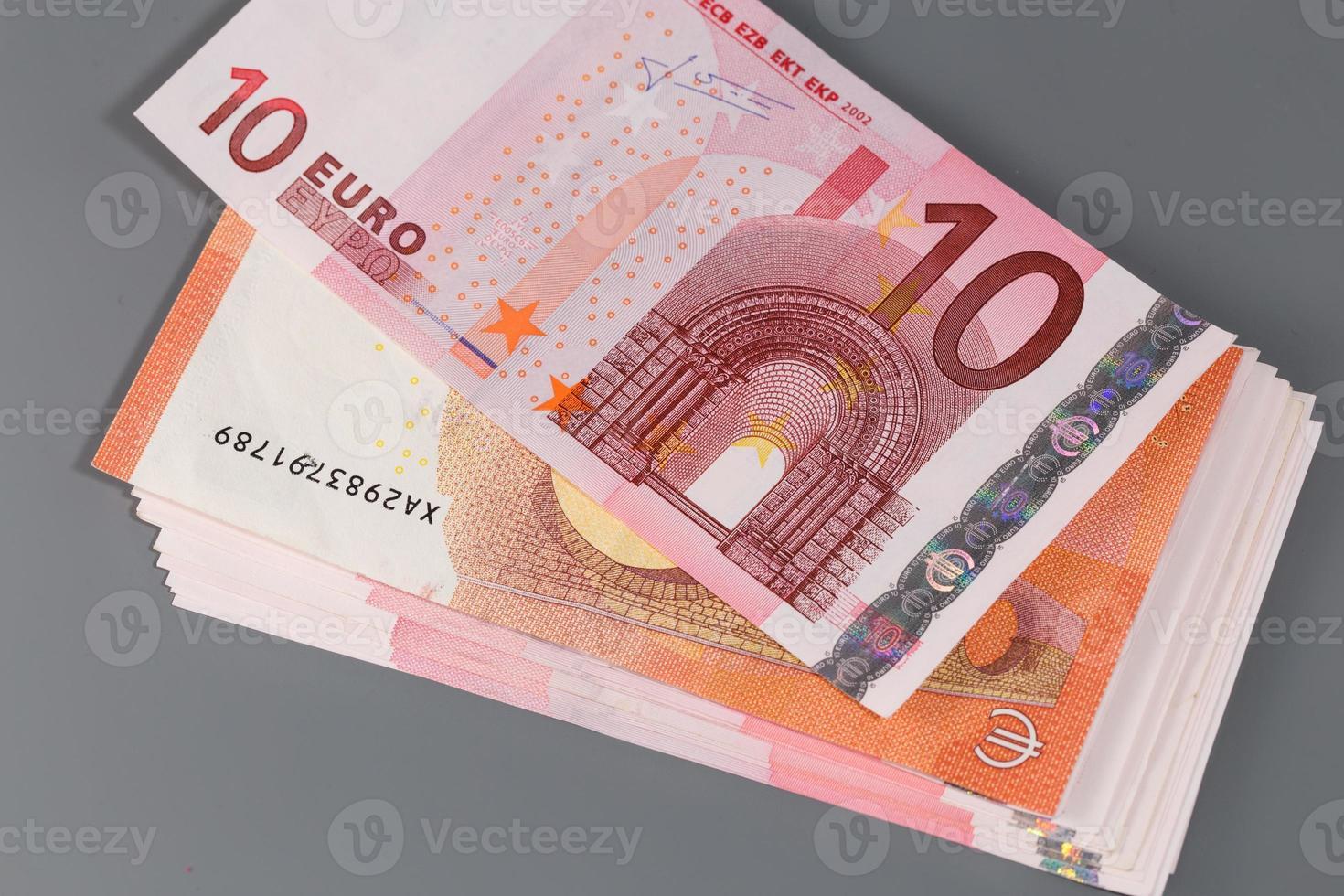 nova nota de dez euros e notas de euro foto