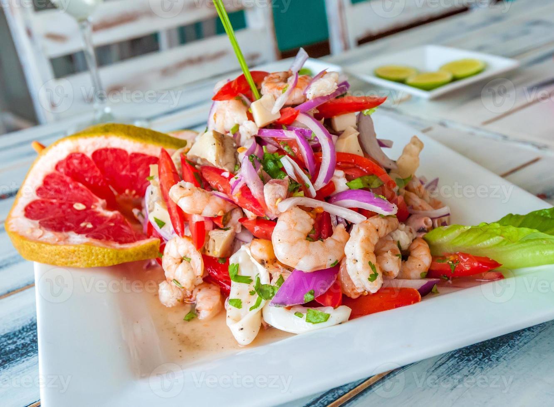 ceviche de frutos do mar mexicano foto