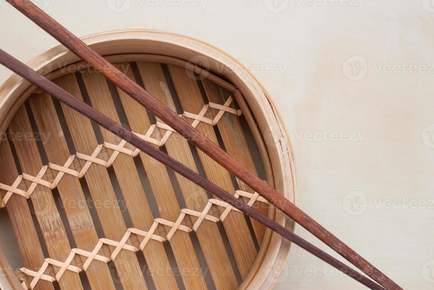 vapor de bambu tradicional foto