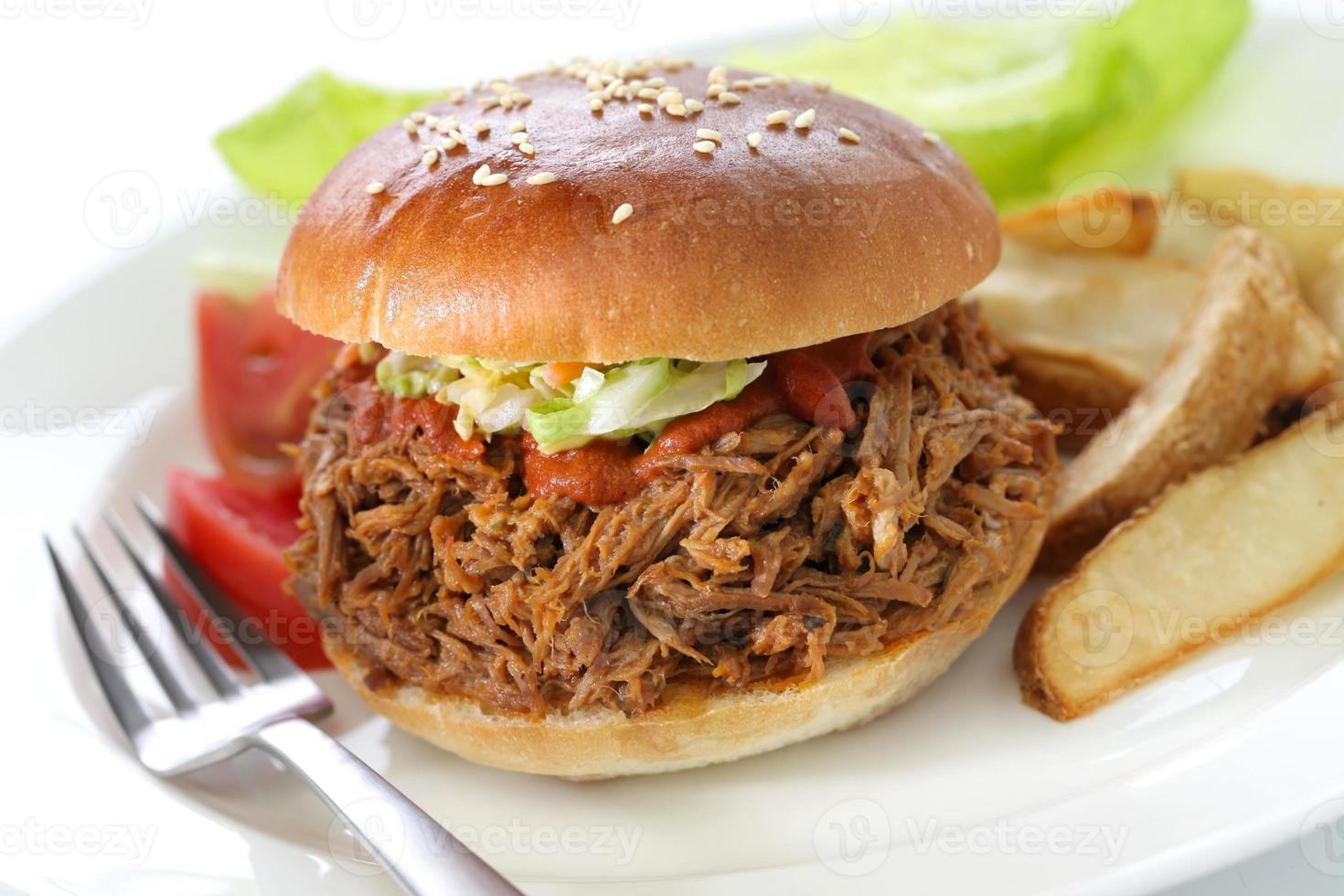 sanduíche de carne de porco desfiada foto