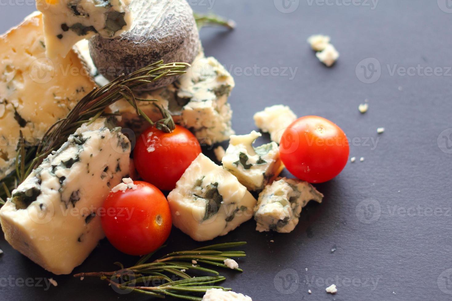 composição de queijo roquefort foto