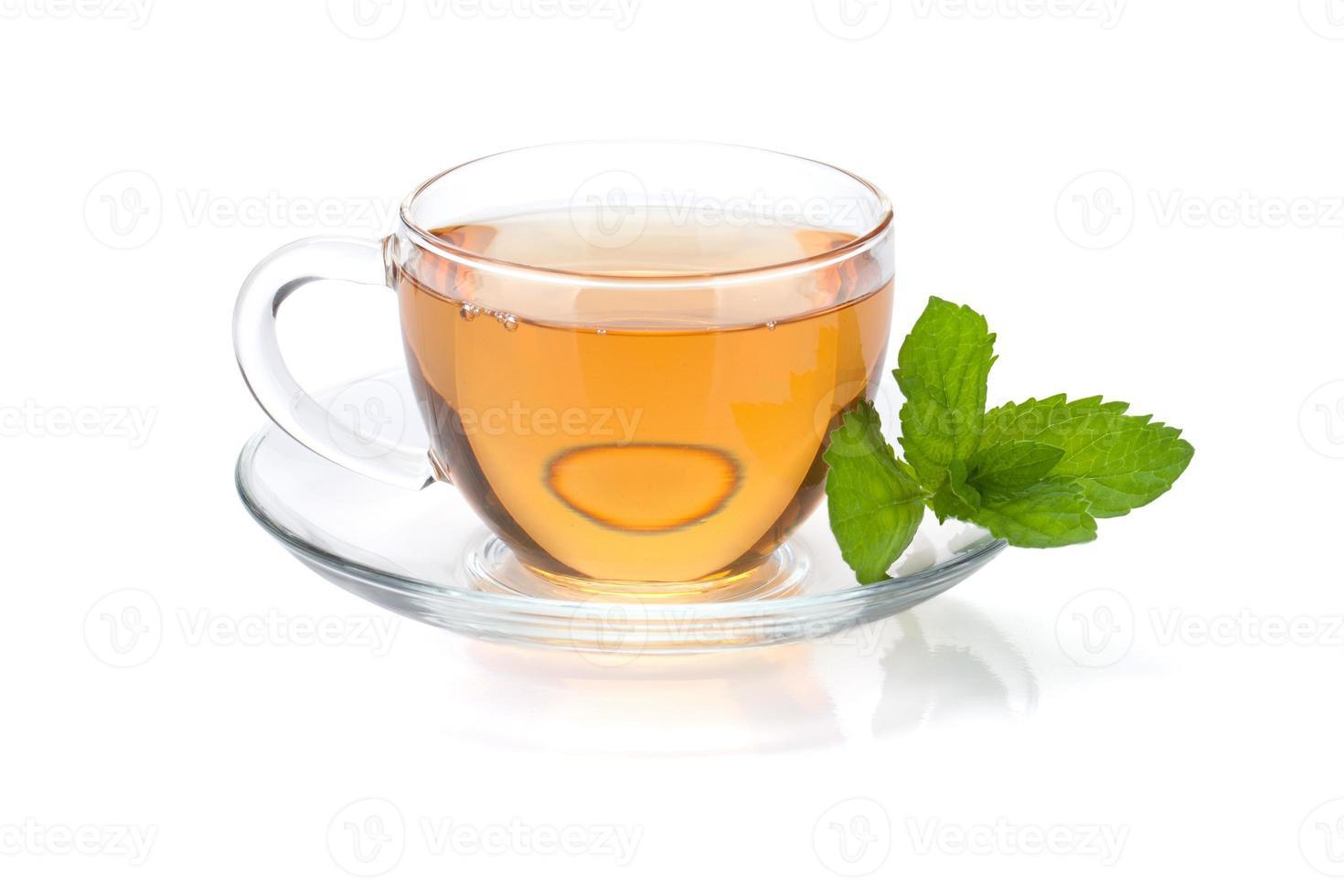 xícara de chá com hortelã foto
