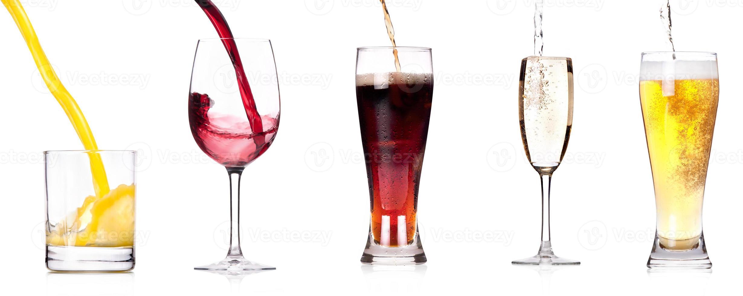 derramando bebidas foto