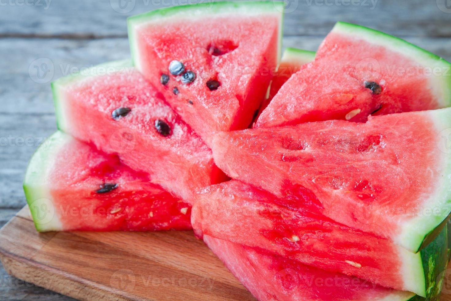 fatias de melancia orgânica suculenta foto