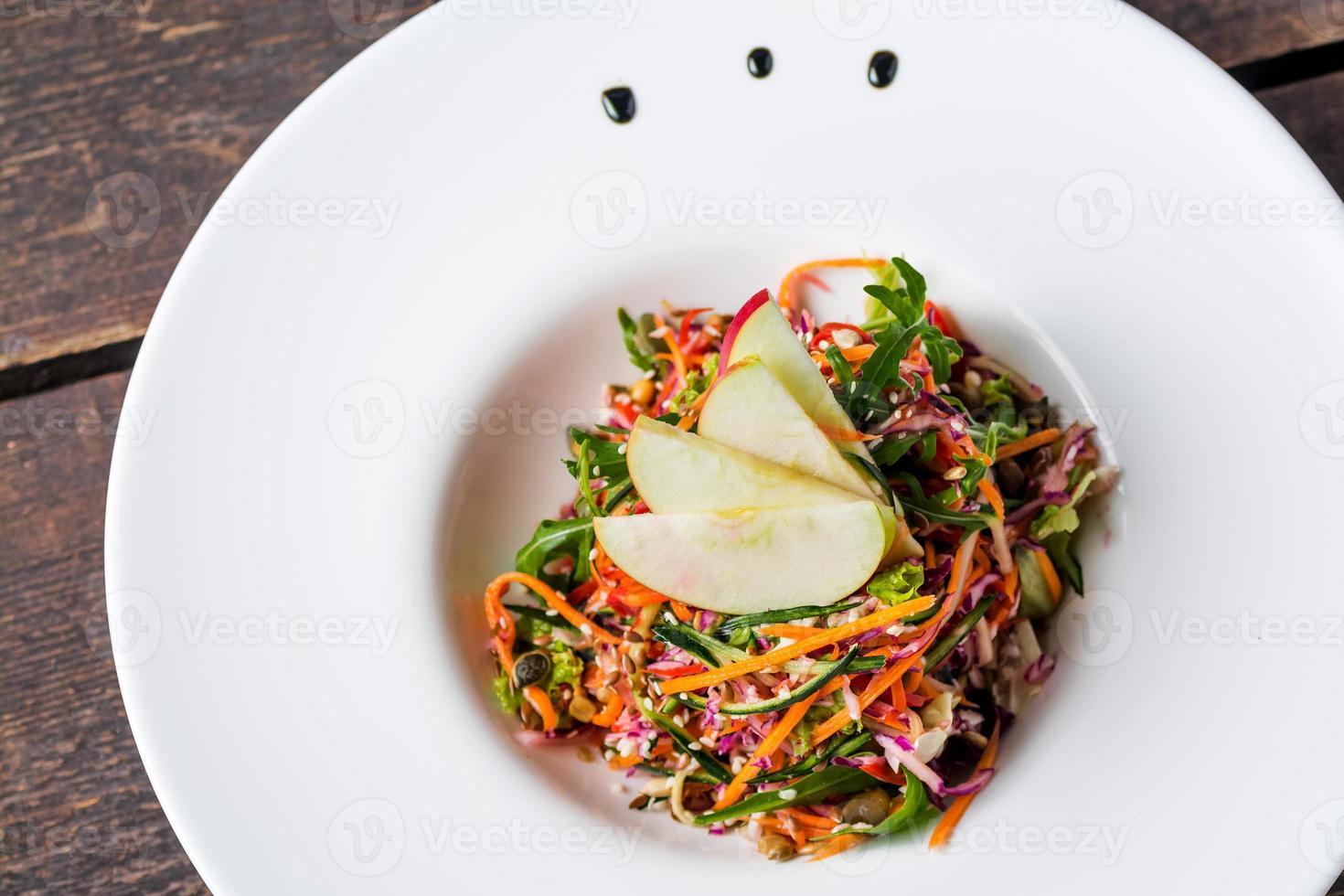 salada mista saudável foto